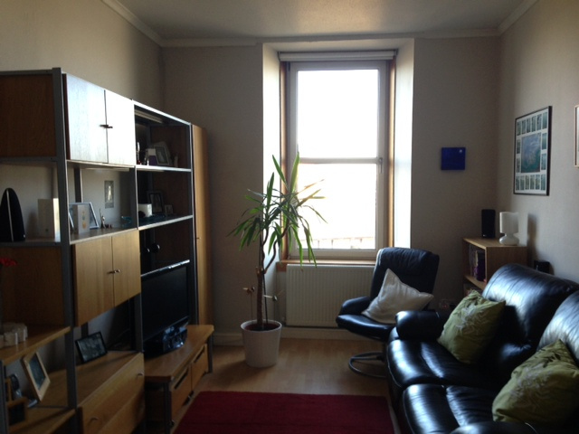 living room rent this 1 bedroom flat in glasgow rh rentaflatinglasgow com living room for rent toronto living room for rent sydney